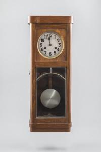 PPMHP 100110: Sat s klatnom u drvenom kučištu