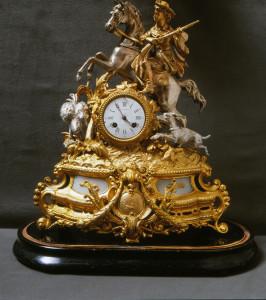PPMHP 100090: Sat s figurom konjanika